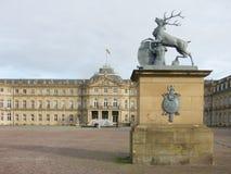 Schlossplatz mit Palast in Stuttgart, Deutschland Stockfoto
