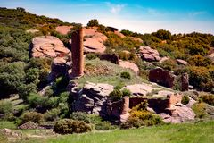Schlossruinen auf einer Steinplatte Stockfotografie
