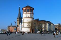 Schlossturm en St. Lambertus Basilica, Dusseldorf Royalty-vrije Stock Afbeelding