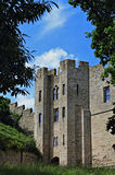 Schlosswände und -turm Stockfotografie