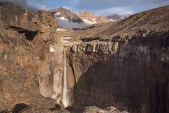 Schlucht am Fuß des Vulkans lizenzfreie stockfotografie