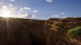 Schlucht haben, bis das Land in Hochebene und in lokalisierte Berggipfel gemeißelt ist, Utah, USA verbreitert lizenzfreies stockfoto