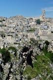 Schlucht unter Sassi von Matera Stockbilder