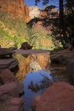 Schluchtnebenflüsse und -flüsse stockbilder