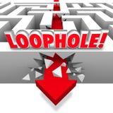 Schlupfloch-Pfeil, der durch Maze Avoid Paying Taxes Cheating zusammenstößt Lizenzfreies Stockfoto
