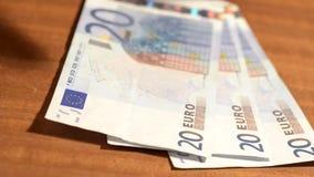 Schlurfen von Euros stock footage
