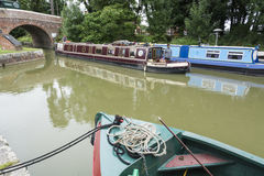 Schmale Boote Pewsey lizenzfreie stockbilder