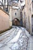 Schmale Straße Stockbild