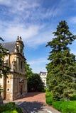 Schmale Straße in Blois, Frankreich am sonnigen Tag Stockbild