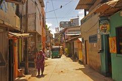 Schmale Straße in Colombo (Sri Lanka) Lizenzfreie Stockbilder