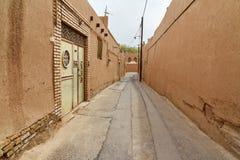 Schmale Straße der alten Stadt in Yazd iran Lizenzfreies Stockfoto