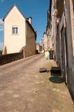 Schmale Straße in der Stadt von Luxemburg Stockbild