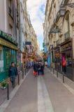 Schmale Straße im Quartier-Latein, Paris, Frankreich Lizenzfreies Stockfoto