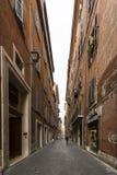 Schmale Straße, Rom Stockfotografie