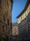 Schmale Straße in Siena-itali, Toskana-Tageszeit Stockfoto