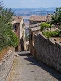 Schmale Straßen von Montalcino Stockfotos