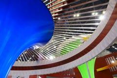 Schmücken der Ausstellunghalle Stockbild
