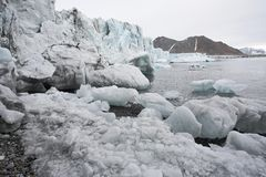 Schmelzender arktischer Gletscher Lizenzfreies Stockfoto
