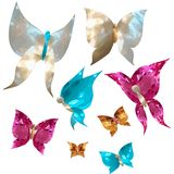 Schmetterlinge und nette Herzen in Form von Edelsteinen, Perlmutt Stockfotos