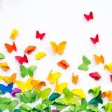 Schmetterlings-Papier geschnitten auf weißen Hintergrund stockbild