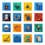Schmiede-Icons In Colorful-Quadrate Stockfoto