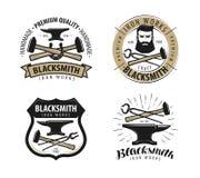 Schmiede, Schmiedelogo oder Aufkleber Blacksmithing-Satz Embleme Stockfotos