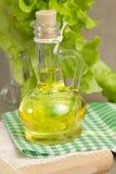 Schmieröl in einer Glasflasche Stockbild