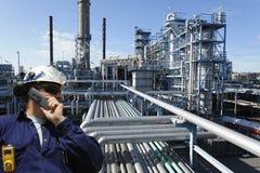 Schmieröl, Kraftstoff, Raffinerie und Ingenieur Stockbild