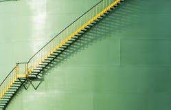 Schmieröl- und Chemikaliendepot und Vorratsbehälter Stockbilder