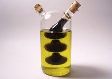 Schmieröl und Essig Stockfotos