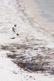 Schmieröl wäscht sich an Land im Pensacola-Strand Stockfotos