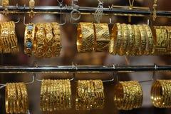 Schmucksachen für Verkauf im Gold Souq Stockfoto