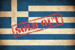 Schmutz-Flagge von Griechenland mit Monument Stockfoto