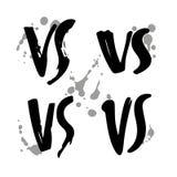 Schmutz-Hand gezeichnet gegen Logo Set GEGEN Vektor beschriftet Illustration Wettbewerbs-Symbol lizenzfreie abbildung