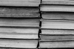 Schmutzige alte abgenutzte Bücher, Hintergrund Stockfotos