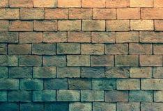 Schmutzige Backsteinmauer der alten Weinlese, Backsteinmauerhintergrund und Beschaffenheit Stockbilder