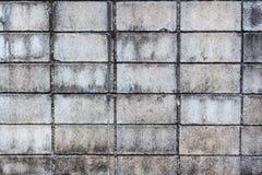 Schmutzige Betonblockwand Lizenzfreie Stockfotos