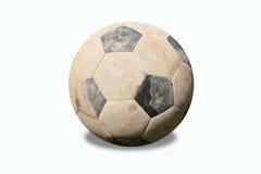 Schmutzige Fußballkugel auf weißem Hintergrund Stockfotos