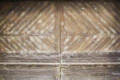 Schmutzige gebrochene Tür Stockbilder