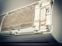 Schmutzige Klimaanlage Lizenzfreie Stockfotografie