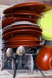 Schmutzige Teller in der Spülmaschine Lizenzfreie Stockfotos