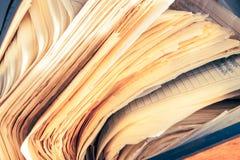Schmutzige unordentliche Papierdokumente Lizenzfreies Stockbild