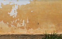 Schmutziger alter Zementwandhintergrund Lizenzfreie Stockfotos