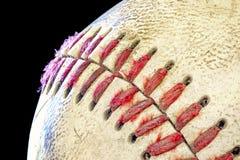 Schmutziger Baseball gleich nach einem Spiel Stockfoto