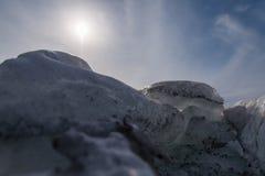 Schmutziger Eisfelsen Stockbild