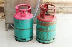 Schmutziger Gasbehälter stockbild