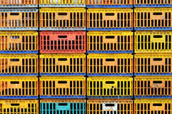 Schmutziger Huhnkasten lizenzfreies stockfoto
