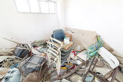 Schmutziger Lagerraum und verlassener Gegenstand Lizenzfreie Stockbilder