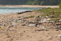 Schmutziger Strand auf der Insel von wenigem Andaman in Lizenzfreie Stockbilder