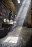 Schmutziger Waschraum Stockfoto